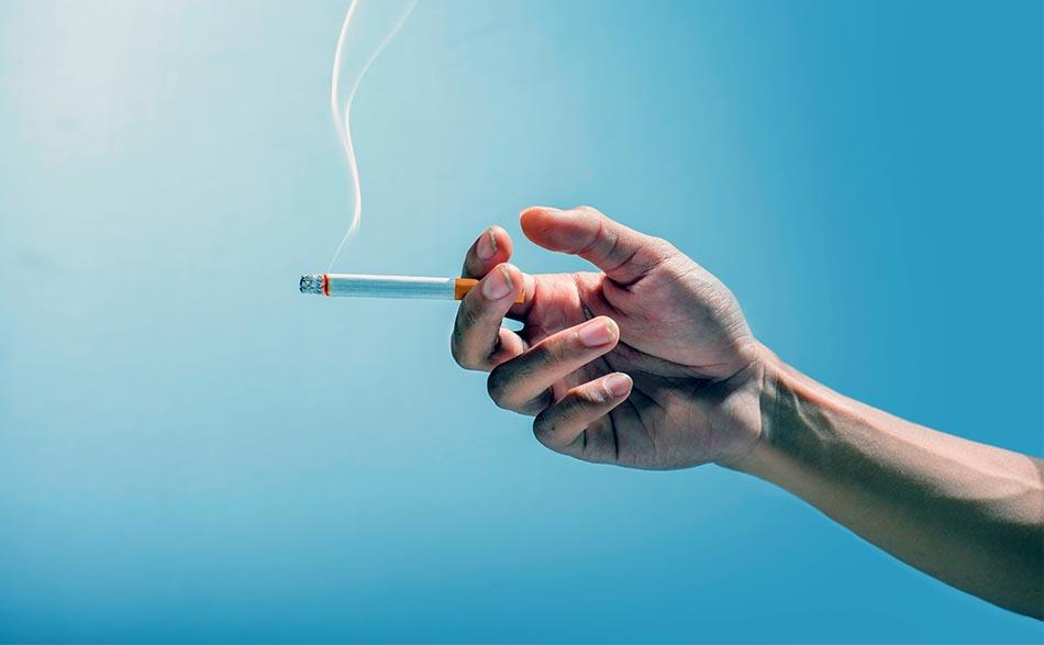 A la luz del cigarro